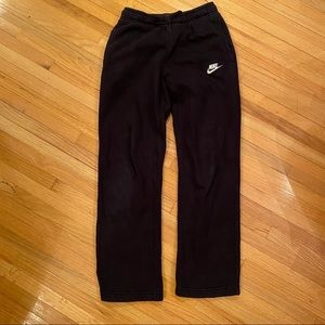 Nike boy's sweatpants L